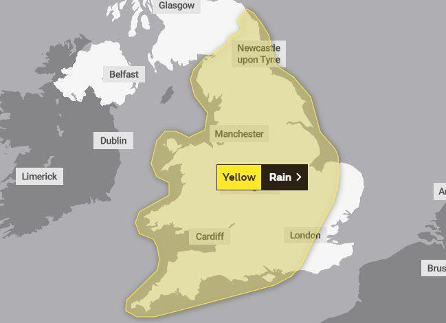 Yellow weather warning for rain in Oldham